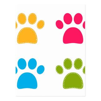 Cartão Postal As patas maravilhosas dos cães coloriram a edição