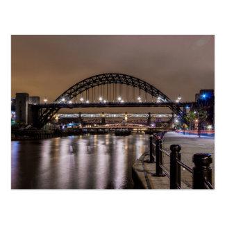 Cartão Postal As pontes de Tyne na noite