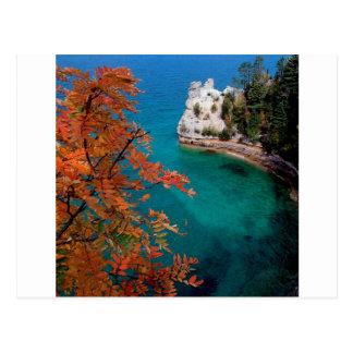 Cartão Postal As rochas representadas lago suportam Michigan