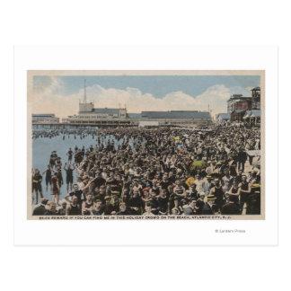 Cartão Postal Atlantic City, NJ - multidão do feriado na praia