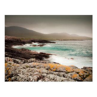 Cartão Postal Atlântico acena no Hebrides exterior