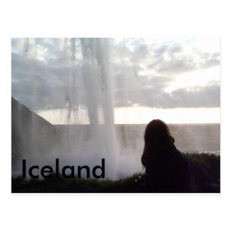 Cartão Postal Atrás da cachoeira em Islândia