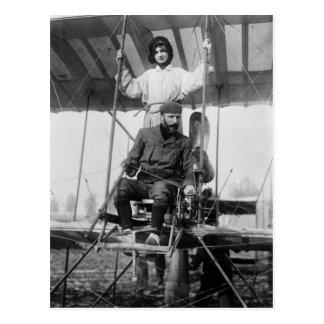 Cartão Postal Aviador Henri Farman e esposa, 1900s adiantados