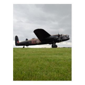 Cartão Postal Avro Lancaster em The Field