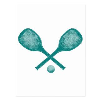 Cartão Postal azul de pavão das raquetes de tênis
