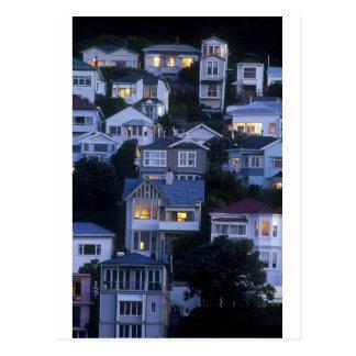 Cartão Postal Baía oriental Wellington das casas estratificados