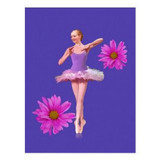 Cartão Postal Bailarina com margaridas cor-de-rosa
