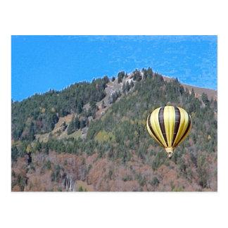 Cartão Postal Balão de ar quente no Bernese Oberland