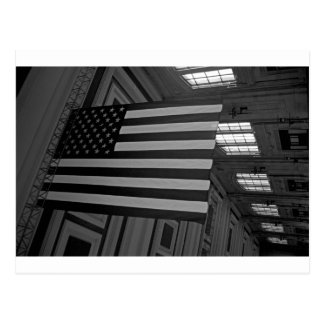 Cartão Postal Bandeira americana na estação da união