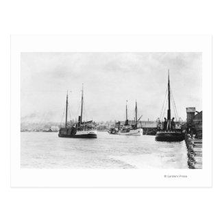 Cartão Postal Bandon, opinião de Oregon do beira-rio do porto