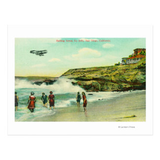 Cartão Postal Banhando a cena em La Jolla BeachSan Diego, CA