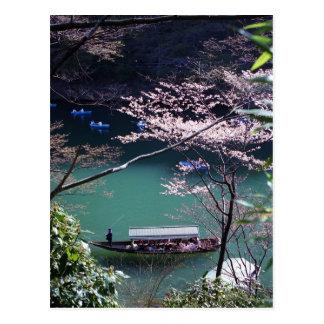 Cartão Postal Barco do primavera em Arashiyama