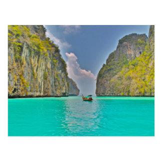 Cartão Postal barco na baía da phi da phi de Kho