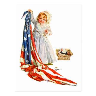 Cartão Postal Betsy Ross pequeno e a bandeira de América