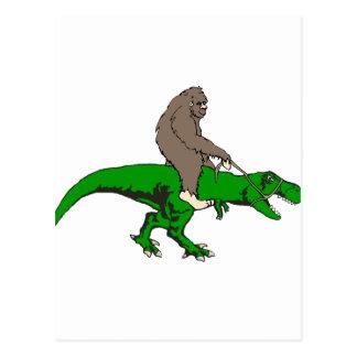 Cartão Postal Bigfoot que monta T Rex