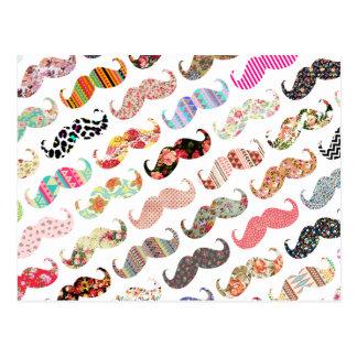 Cartão Postal Bigodes coloridos femininos engraçados dos padrões