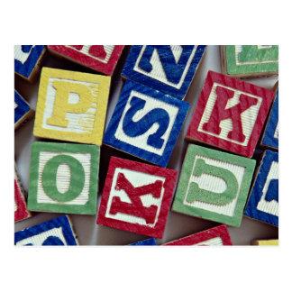 Cartão Postal Blocos de madeira com alfabetos para miúdos