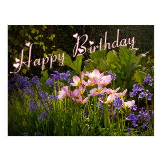 Cartão Postal bluebells e flores cor-de-rosa