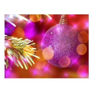 Cartão Postal Bola roxa Bokeh do Bauble do Natal do brilho