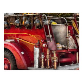 Cartão Postal Bombeiro - apronte para um fogo