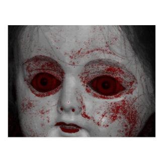 Cartão Postal Boneca pálida da pele com os olhos do vermelho do