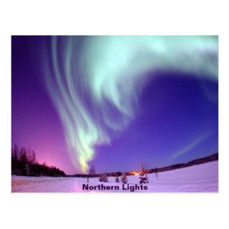 Cartão Postal Brilho da aurora boreal no céu do Alasca
