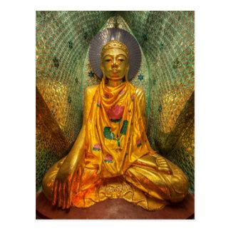 Cartão Postal Buddha dourado no templo