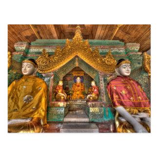 Cartão Postal Buddhas em um templo