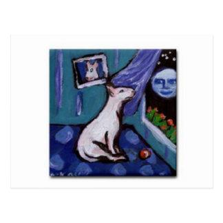 Cartão Postal Bull terrier mesmorized pela lua smiing grande