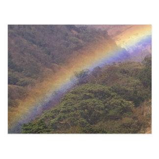 Cartão Postal CA, Costa Rica, perto de Guacimal. Arco-íris sobre