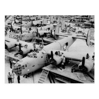 Cartão Postal Cadeia de fabricação do bombardeiro B-24, 1943