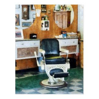 Cartão Postal Cadeira da barbearia uma