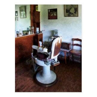 Cartão Postal Cadeira de barbeiro antiquado