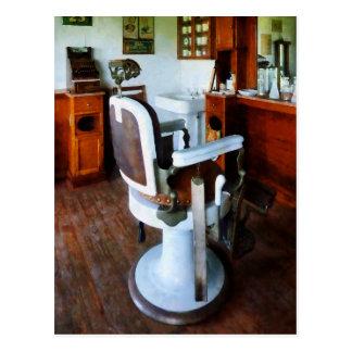 Cartão Postal Cadeira de barbeiro com caixa registadora