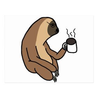 Cartão Postal Café bonito do bebendo da preguiça
