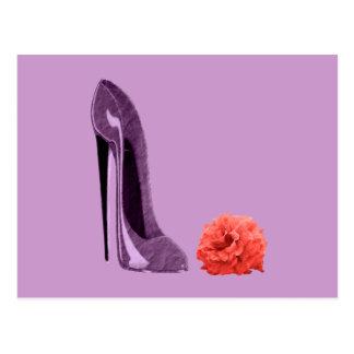 Cartão Postal Calçados do estilete do Lilac e arte cor-de-rosa