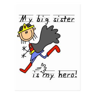 Cartão Postal Camiseta e presentes da irmã mais velha do herói
