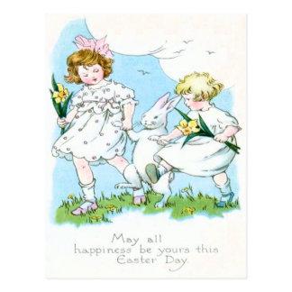Cartão Postal Campo do Daffodil de Jonquil do coelhinho da