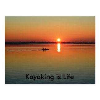 Cartão Postal Canoeing pesca Kayaking da navigação - a vida