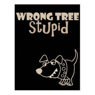 Cartão Postal Cão engraçado dos desenhos animados que descasca