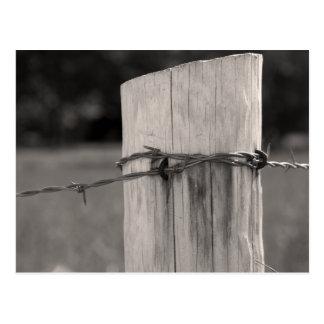 Cartão Postal Cargo e arame farpado da cerca