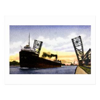 Cartão Postal Cargueiro vazio que passa a ponte de Bascule,