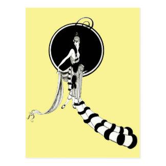 Cartão Postal Caricatura da mulher no equipamento extravagante