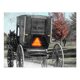 Cartão Postal Carrinho de Amish do outono