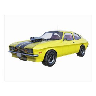 Cartão Postal carro do músculo dos anos 70 no amarelo e no preto