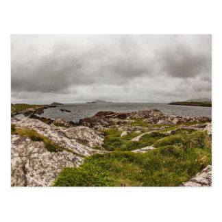 """Cartão Postal """"Cartão do litoral irlandês áspero"""""""