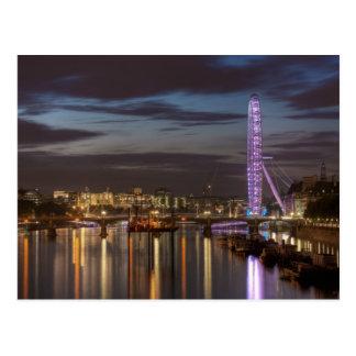 Cartão Postal Cartão: Olho e Thames River de Londres na noite