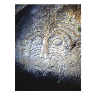 Cartão Postal Carvings maori da rocha no lago Taupo