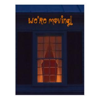 Cartão Postal Casa assombrada engraçada nós estamos movendo o