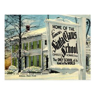 Cartão Postal Casa da escola famosa de Papai Noel